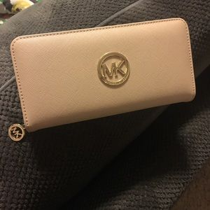 Michael Kors wallet (faux look alike)